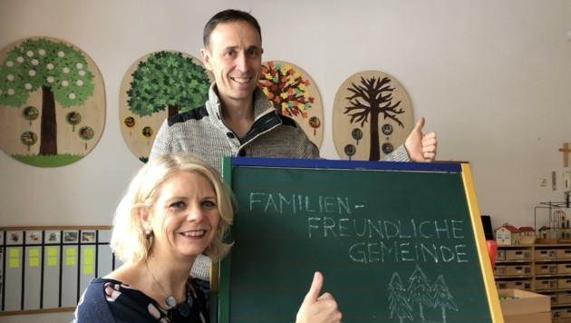 Die treibenden Kräfte hinter dem Audit Familienfreundliche Marktgemeinde Reutte: GR Daniela Rief (ÖVP) und GR Günter Salchner (Liste Luis) (Bild: RE Außerfern)