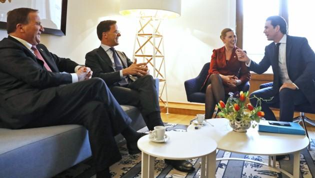 Sebastian Kurz mit dem niederländischen Premier Mark Rutte, dem schwedischen Premier Stefan Löfven (links) sowie der dänischen Ministerpräsidentin Mette Frederiksen
