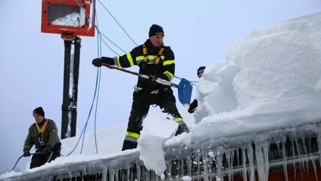 Groß-Einsatz im vergangenen Winter: Damals rückten fast alle steirischen Florianis aus (Bild: Thomas Zeiler)