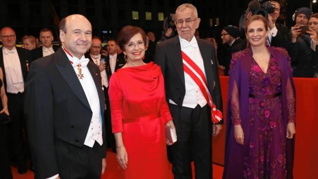 Dominique Meyer und Maria Großbauer mit Bundespräsident Alexander Van der Bellen und Ehefrau Doris Schmidauer (Bild: Tomschi Peter)