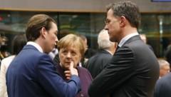 Bundeskanzler Sebastian Kurz mit der deutschen Bundeskanzlerin Angela Merkel und dem niederländischen Premier Mark Rutte (Bild: BUNDESKANZLERAMT/DRAGAN TATIC)