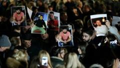 Trauer um die Opfer des Anschlags (Bild: AFP)