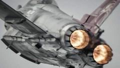 Zwei starke Eurojet-Triebwerke mit Nachbrenner machen den Eurofighter schnell - aber auch teuer im Betrieb. (Bild: Airbus)