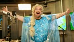 Robert Kratky hat sich in die Eiskönigin verwandelt. (Bild: (c) Hitradio Ö3_Albert Malli)