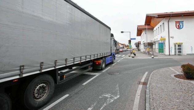 Lkw in Lamprechtshausen (Bild: MARKUS TSCHEPP)