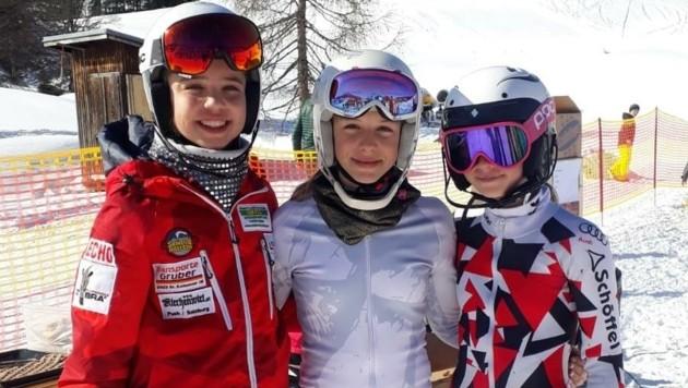 Die Skitalente Anna-Lena Essl, Anna Gfrerer und Maxima Oberascher räumten bei den Nachwuchs-Landesmeisterschaften einige Medaillen ab. (Bild: Palfinger Ski Kompetenzzentrum)
