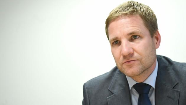 Gottfried Haber legte seine Position als Präsident des Fiskalrats am Freitag zurück. Er möchte sich voll auf seine Aufgabe als Vize-Gouverneur der Nationalbank konzentrieren. (Bild: APA/HELMUT FOHRINGER)