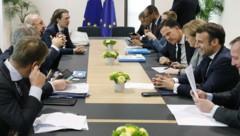 Am Verhandlungstisch: Bundeskanzler Kurz und zahlreiche EU-Regierungschefs wollen endlich eine Lösung für den mehrjährigen EU-Finanzrahmen. (Bild: APA/BUNDESKANZLERAMT/DRAGAN TATIC)