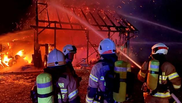 Brandeinsatz beim Salitergut in Göming bei Oberndorf (Bild: Feuerwehr Oberndorf)