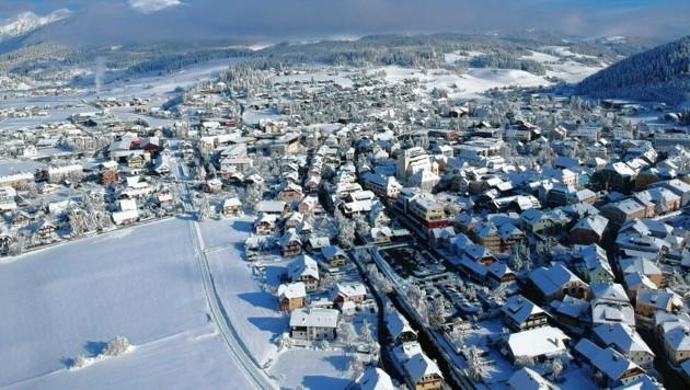 Mit Luft- und Satellitenbildern verschafft sich das Land einen genaueren Überblick. Der Blick von oben auf Gemeinden liefert Echtdaten. (Bild: FF Tamsweg/ Patrick Bacher)