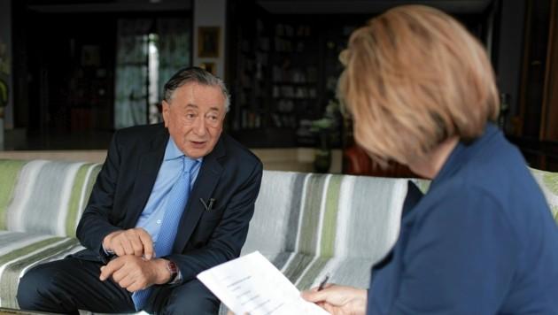 Richard Lugner im Gespräch mit Conny Bischofberger (Bild: Gerhard Bartel)