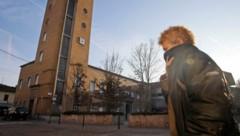 Drastische Notfallmaßnahme: Norditalien schottet sich aufgrund der Coronavirus-Epidemie immer weiter ab. (Bild: AP)