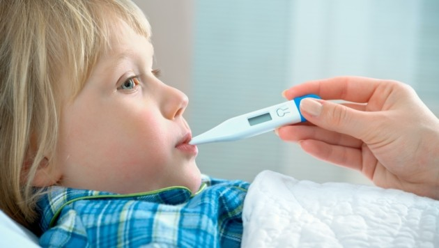 Kinder bis zu zehn Jahren kann man jederzeit ins Krankenhaus begleiten und dafür auch Pflegefreistellung ganz offiziell in Anspruch nehmen. (Bild: stock.adobe.com)