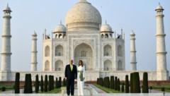 Die Trumps besuchen das Taj Mahal in Indien: Vor dem Besuch wurden streunende Affen eingefangen, auch Hunde und Kühe wurden von dem Gelände weggebracht. (Bild: AFP )