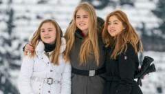 Prinzessin Ariane, Prinzessin Catharina-Amalia und Prinzessin Alexia in Lech am Arlberg (Bild: APA/DIETMAR STIPLOVSEK)