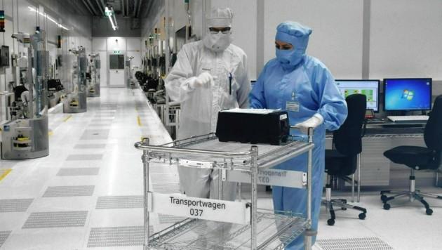 Der Reinraum bei Infineon Villach: Hier gelten sowieso immer strenge Hygienevorschriften. (Bild: Gert Eggenberger)