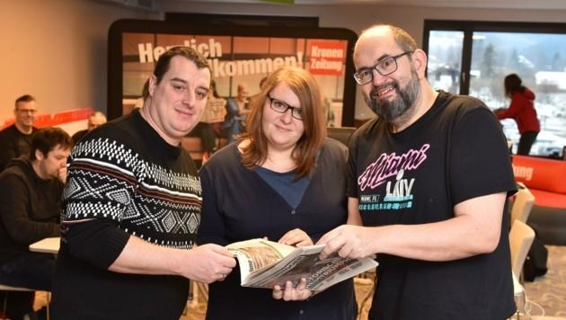 Daniel Kapfer (l.) und Gattin Gerlinde mit Redakteur Mario Ruhmanseder (r.) (Bild: Wenzel Markus)