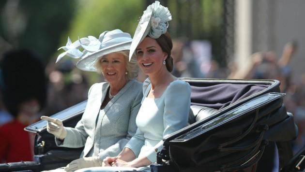 Herzogin Kate mit Herzogin Camilla (Bild: www.PPS.at)