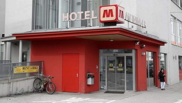 In diesem Hotel wohnte der Frankfurter zunächst. Neun Mitarbeiter befinden sich in Quarantäne. (Bild: Tröster Andreas)
