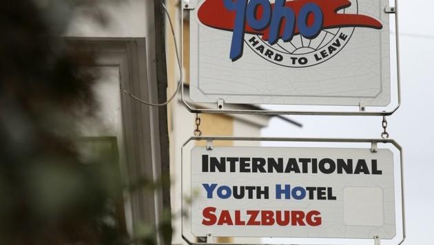 Nach der Spielabsage am Donnerstag zog er in dieses Hostel um. Neun Angestellte sind isoliert (Bild: Tröster Andreas)