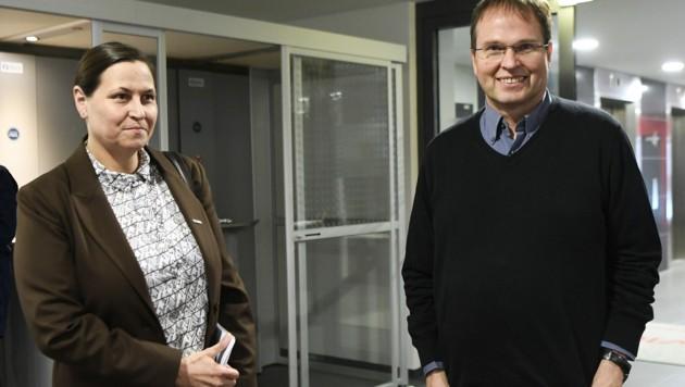 GPA-djp-Verhandlerin Eva Scherz und Arbeitgeber-Verhandler Walter Marschitz (Bild: APA/ROBERT JAEGER)