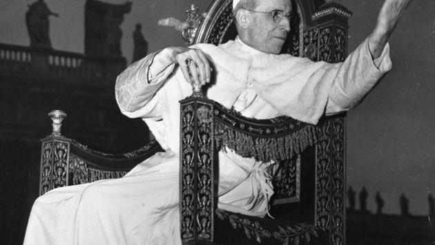 Umstrittener Kirchenfürst: Pius XII. hatte in seiner Ära eine schier übermenschliche Aufgabe zu bewältigen. Wie soll der Vatikan mit dem Nazi-Regime umgehen? (Bild: AFP)