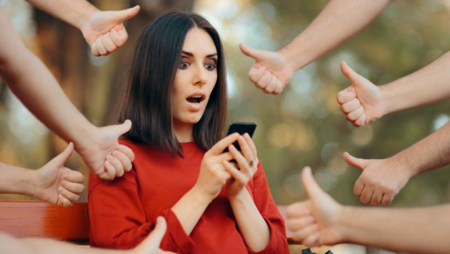 Süchte wie Social Media, Gaming oder Glückspiel (z.B. Wetten) im Internet nehmen zu. (Bild: nicoletaionescu/stock.adobe.com)
