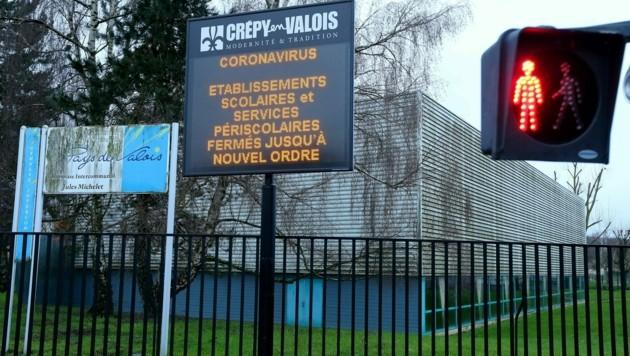 Eine geschlossenen Schule in Crépy-en-Valois (Bild: AFP)