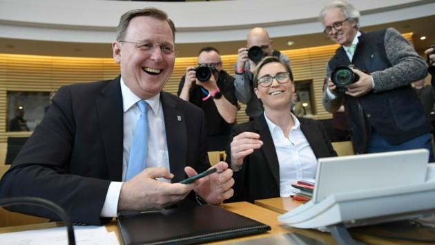 Bodo Ramelow und die Linke-Landeschefin Susanne Hennig-Wellsow (Bild: AFP)
