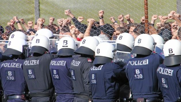 """Die """"Pro Boarders"""" Grenzschutzübung in Spielfeld 2018. (Bild: Jauschowetz Christian)"""