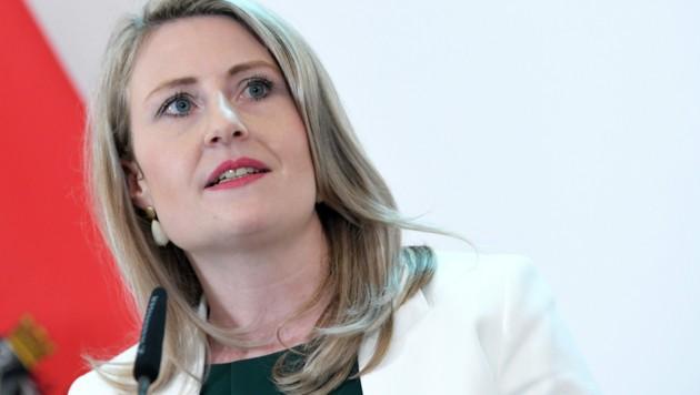 Ministerin Susanne Raab (ÖVP) (Bild: APA/ROLAND SCHLAGER)