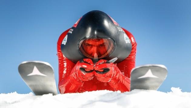 Futuristisch: Manuel Kramer im Speedski-Outfit. (Bild: Gerhard Schiel)