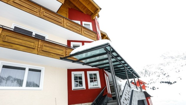 Die 4-Sterne-Herberge in dem Wintersport-Ort steht seit Donnerstag leer. (Bild: ZVG)