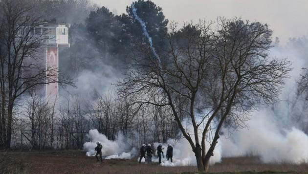 Die türkisch-griechische Grenze bei Kastanies: Von der türkischen Seite wurde am Freitag mit Tränengas auf die griechische Seite gefeuert.