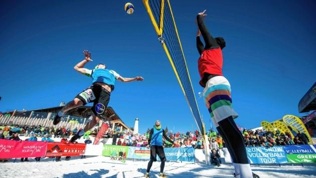 """Im Volleyball steht auf Schnee die """"dritte"""" Jahreszeit an. (Bild: Thomas Leskoschek)"""