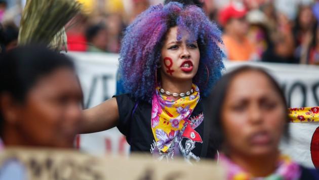 Frauen beim Marsch zum Frauentag in Brasilia (Bild: AFP)