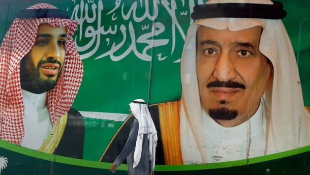 Der saudische König Salman (rechts im Bild) und sein Kronprinz, Mohammed bin Salman (Bild: AP)