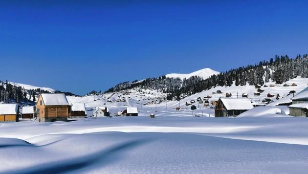 Das im Winter verlassene Dorf Bakhmaro im Kleinen Kaukasus (Bild: Wallner Hannes)