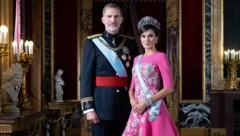 Seit 2004 verheiratet: König Felipe VI. von Spanien und Königin Letizia, einst Fernseh-Journalistin (Bild: AFP)