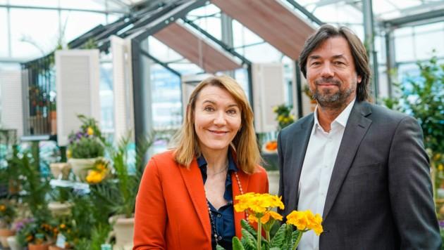 Franz Koll und Patricia Schweiger-Bodner im neuen Außenbereich. (Bild: Markus Wenzel)
