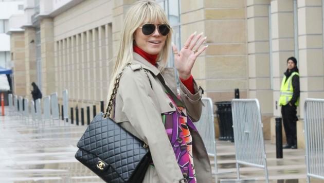 """Da lächelt sie noch - wenig später brach Heidi Klum den Dreh zu """"America's Got Talent"""" vorzeitig ab. (Bild: www.PPS.at)"""