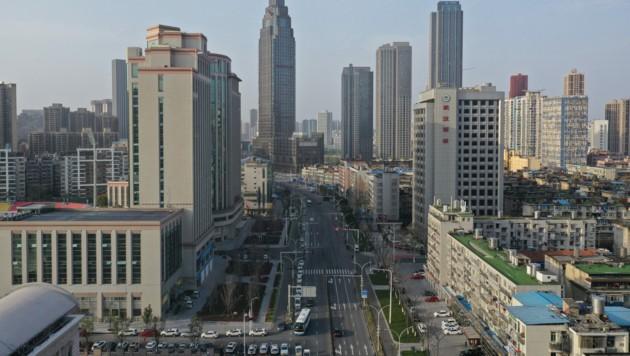 Erste Firmen in Wuhan nehmen den Betrieb wieder auf. (Bild: AFP)