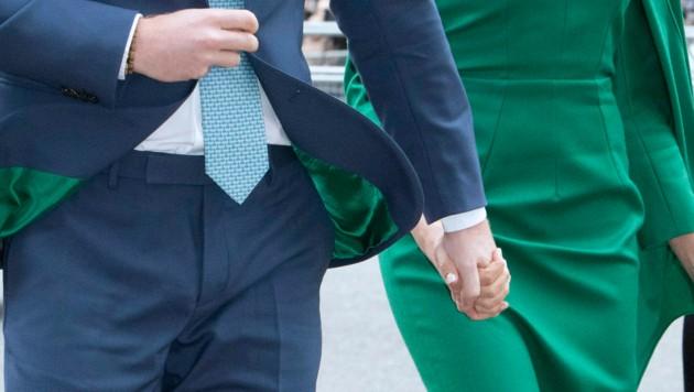 Das Innenfutter von Prinz Harrys Sakko war perfekt auf das grüne Kleid von Herzogin Meghan abgestimmt. (Bild: www.PPS.at)