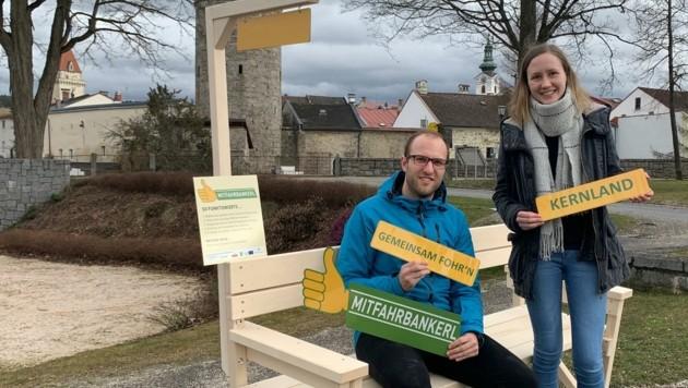 """Johannes Traxler und Ines Horner aus Freistadt freuen sich auf den Start des """"Mitfahrbankerls"""". (Bild: Mühlviertler Kernland)"""