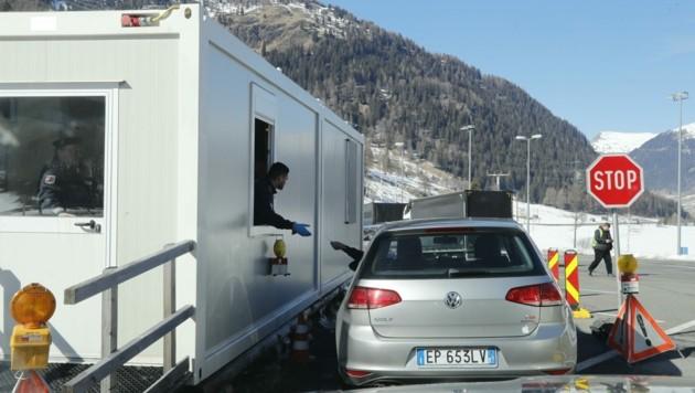Grenzkontrollen am Reschen ja, Gesundheitschecks nein! (Bild: Birbaumer Christof)