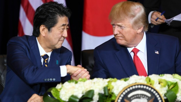 Japans Ministerpräsident Shinzo Abe und US-Präsident Donald Trump (Bild: AFP)