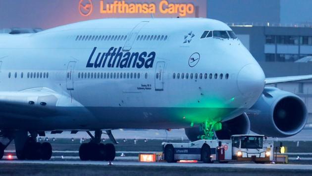 Die Fluggesellschaften leiden besonders stark unter dem Corona-Schock für die Wirtschaft. (Bild: AP)