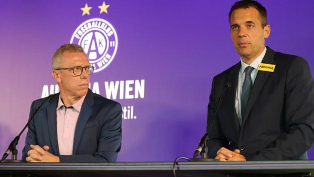 Markus Kraetschmer und Peter Stöger - beide warten, was der Verein in Zukunft so plant. (Bild: GEPA)