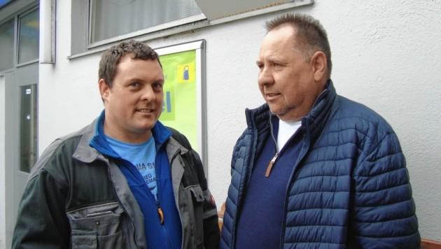 Busunternehmer Albert Schnopfhagen (rechts) hat derzeit kein Einkommen. (Bild: Peter Bernthaler)