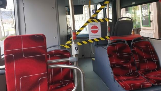Seit vergangener Woche ist kein Ticketverkauf beim Busfahrer mehr möglich. (Bild: Stephanie Angerer)